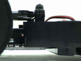 Cカーシャシーのフロント車高調整機構の例